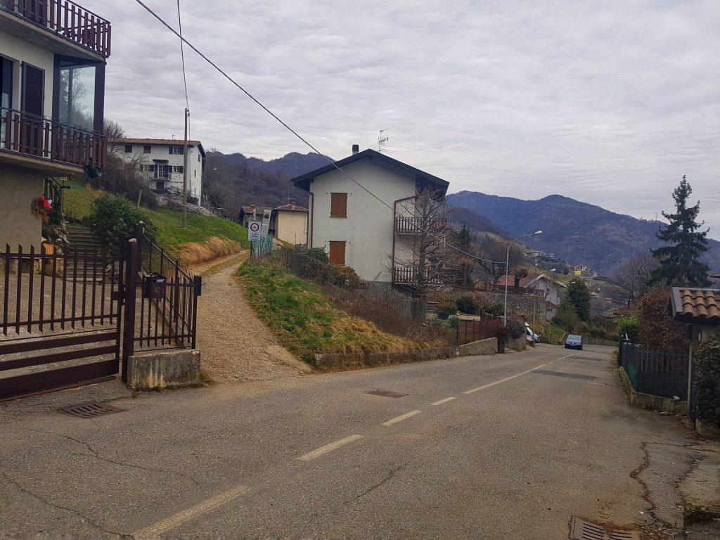 Monte di Nese Strada