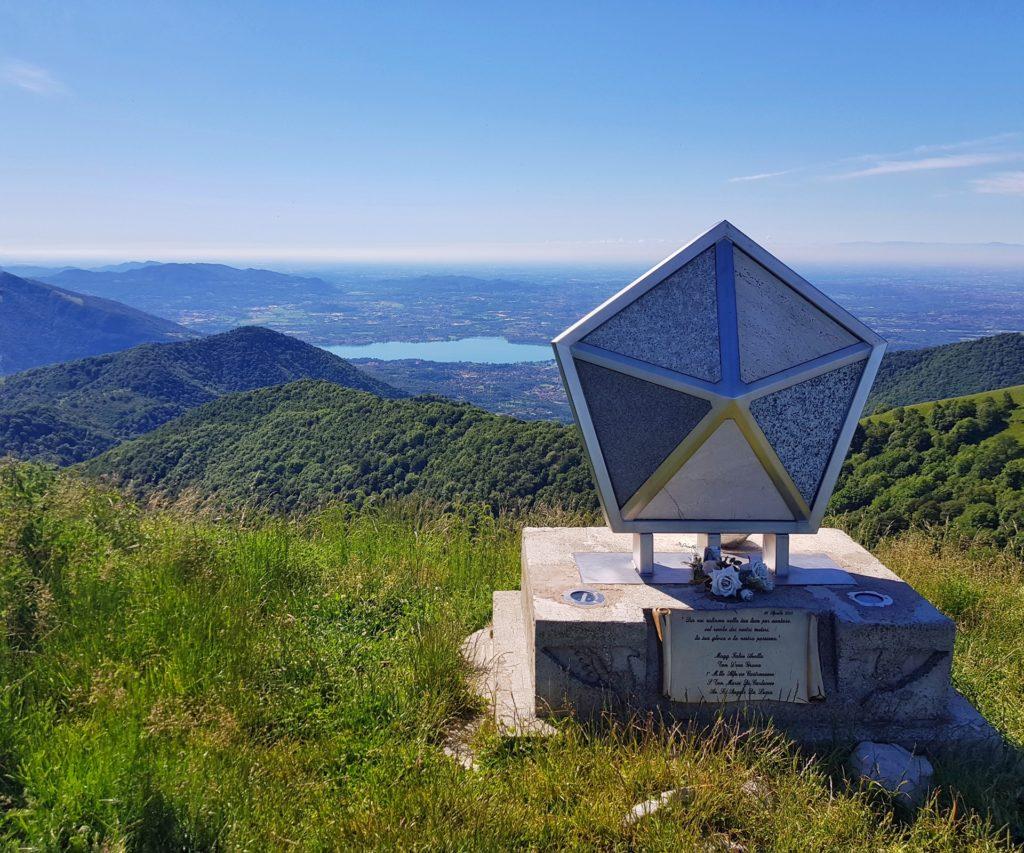 Lapide in memoria dei caduti Monte Palanzone